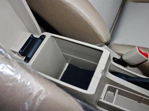 2013款1.6L 自动卓越版 空间座椅