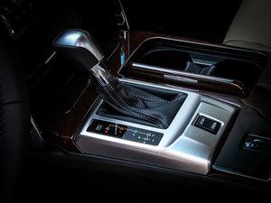 2013款2.5V 尊锐导航版 变速挡杆