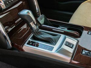 2013款2.5V 尚锐导航版 变速挡杆