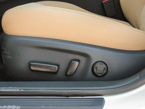 2013款2.5V 尚锐导航版 座椅调节