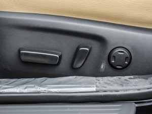 2013款2.5V 尚锐版 座椅调节