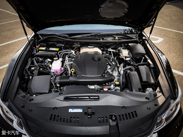 一汽丰田2015款皇冠