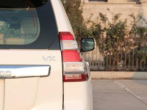 2016款3.5L V6 自动VX NAVI 尾灯
