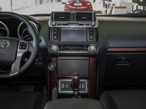 2016款3.5L V6 自动TX-L 中控台