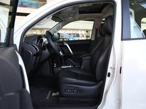 2016款2.7L 自动标准型 前排空间