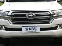 细节外观兰德酷路泽中网