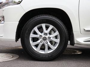 2016款4000 中东版 轮胎