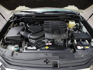 2016款4000 中东版 发动机