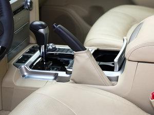 2016款4.6L VX-R 驻车制动器