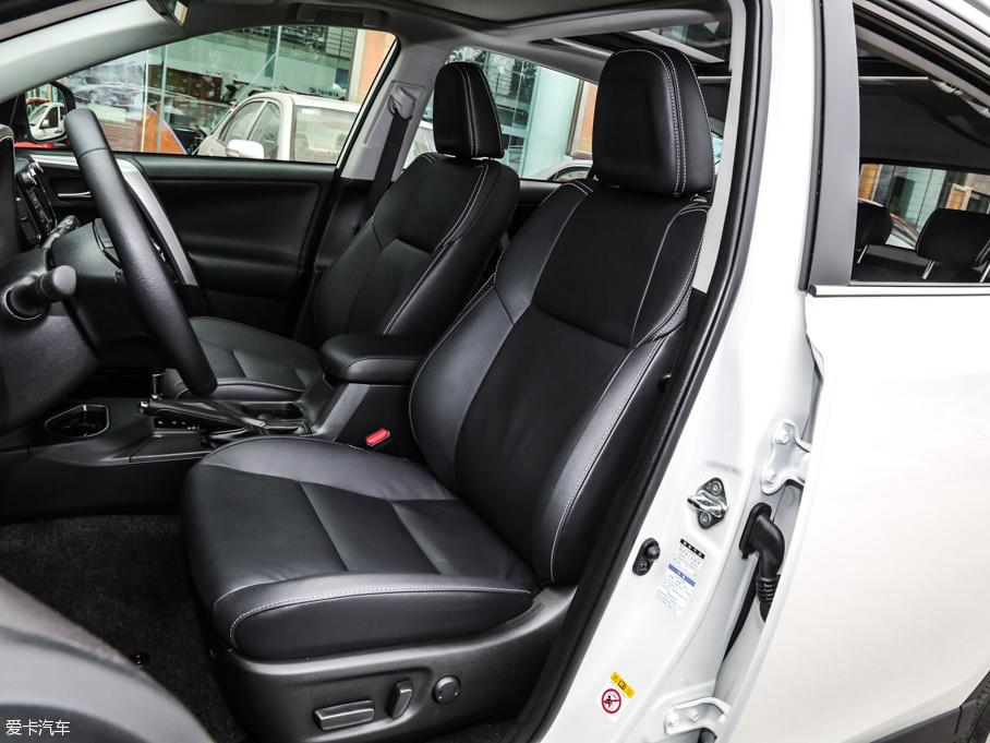 2016款RAV4 前排座椅