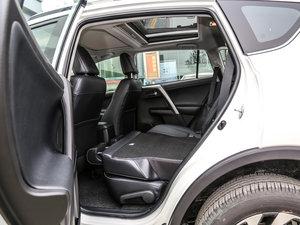 2016款2.5L 自动四驱尊贵版 后排座椅放倒
