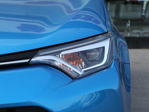 2016款2.0L CVT四驱新锐版 头灯