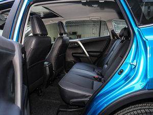 2016款2.0L CVT四驱新锐版 后排空间
