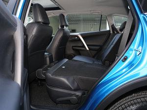 2016款2.0L CVT四驱新锐版 后排座椅放倒