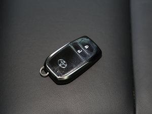 2016款2.0L CVT四驱新锐版 钥匙