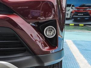 2016款2.5L 自动四驱尊贵版 雾灯