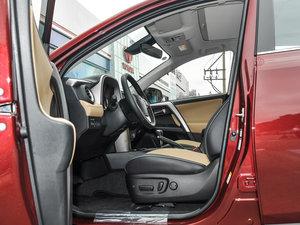 2016款2.5L 自动四驱尊贵版 前排空间