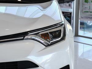 2016款2.5L 自动四驱精英版 头灯