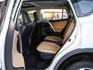 2016款2.5L 自动四驱精英版 后排空间