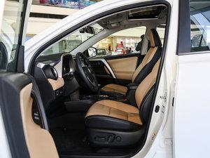 2016款2.5L 自动四驱精英版 前排空间