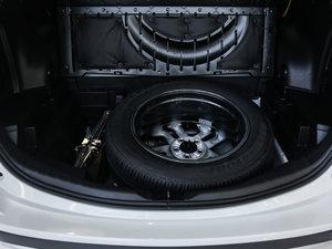 2016款2.5L 自动四驱精英版 备胎