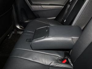 2017款1.2T CVT GL-i真皮版 后排中央扶手