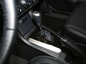 2017款1.2T CVT GL-i真皮特别版 变速挡杆
