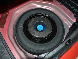 2017款1.6L 手动GL 备胎