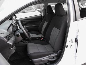 2017款1.5L CVT锋驰版 前排座椅