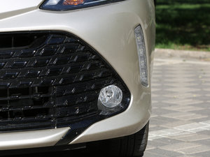2017款1.5L CVT锋势版 雾灯