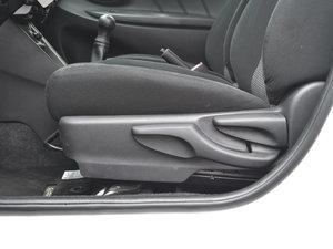 2017款1.5L 手动锋驰版 座椅调节
