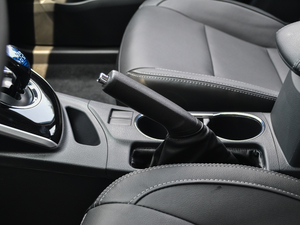 2017款1.8L E-CVT豪华版 驻车制动器