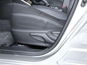 2017款1.8L E-CVT精英版 座椅调节