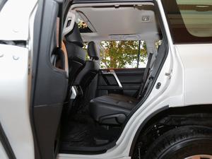 2018款3.5L 自动TX-L后挂备胎 后排空间