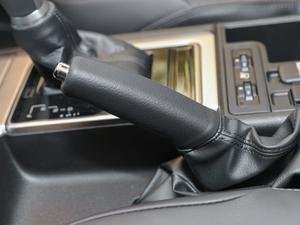 2018款3.5L 自动TX-L后挂备胎 驻车制动器