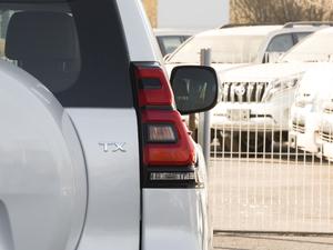 2018款3.5L 自动TX-L后挂备胎 尾灯