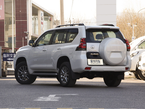 2018款3.5L 自动TX-L后挂备胎 后侧45度