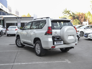 2018款3.5L 自动VX-NAVI 后挂备胎 后侧45度