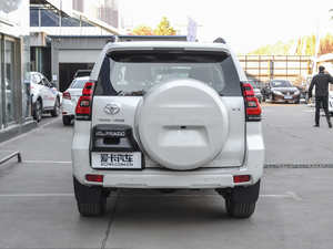2018款3.5L 自动VX-NAVI 后挂备胎 纯后