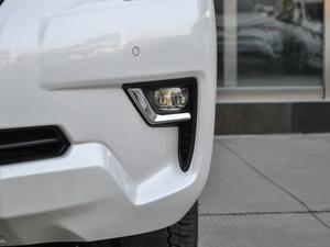 2018款3.5L 自动VX-NAVI 后挂备胎 雾灯