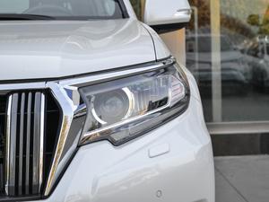 2018款3.5L 自动VX-NAVI 后挂备胎 头灯
