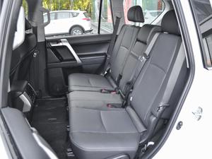 2018款3.5L 自动VX-NAVI 后挂备胎 后排座椅