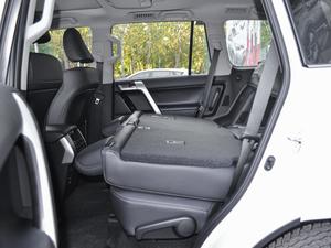 2018款3.5L 自动VX-NAVI 后挂备胎 后排座椅放倒