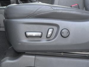 2018款3.5L 自动VX-NAVI 后挂备胎 座椅调节