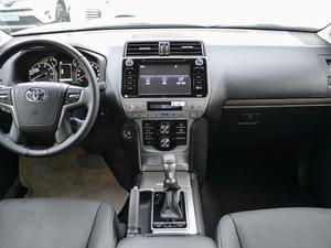 2018款3.5L 自动VX-NAVI 后挂备胎 中控台
