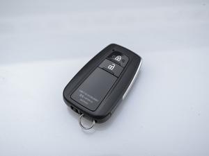 2018款3.5L 自动VX-NAVI 后挂备胎 钥匙