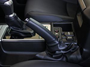 2018款3.5L 自动TX-L 驻车制动器