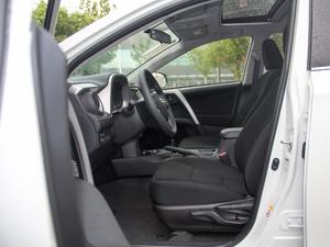 2016款2.0L CVT两驱风尚版 前排空间