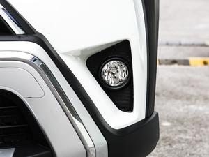 2018款2.0L 自动两驱风尚X限量版 雾灯
