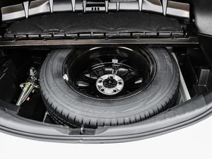 2018款2.0L 自动两驱风尚X限量版 备胎
